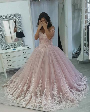 776858abaca Stylish Lace Appliques Sweetheart Tulle Ball Gowns Quinceanera Dresses