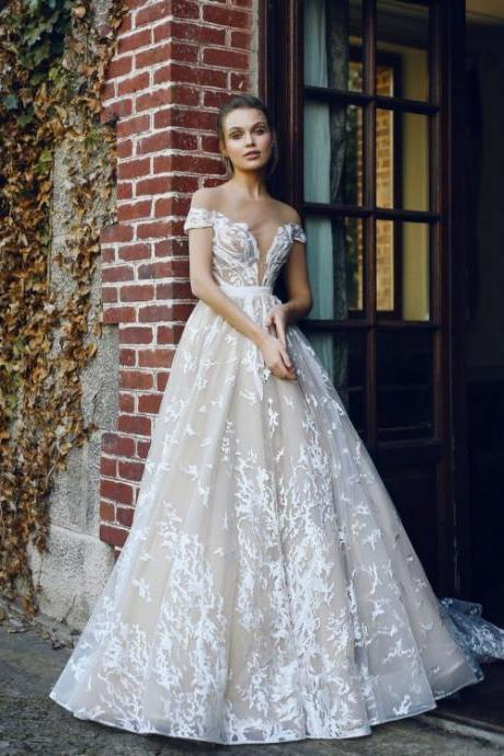 Ivory Wedding Dresses, Long Wedding Dresses, Sleeveless Wedding Dresses, Applique Wedding Dresses, Floor-length Wedding Dresses ,W1969