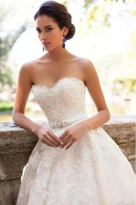 Sweetheart Bridal Dresses,Ivory Wedding Dresses, Long Wedding Dresses, Sleeveless Wedding Dresses, Applique Wedding Dresses, Sweep Train Wedding Dresses,W1972